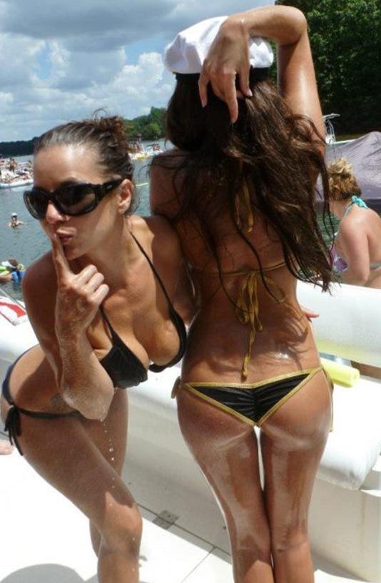 Some #YWYK Bikini Babes (20 Pics)