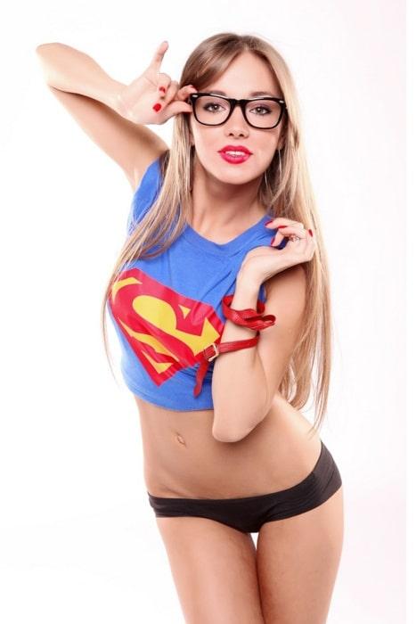 Super Babe