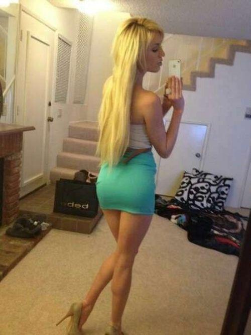Girls in Tight Dresses 50