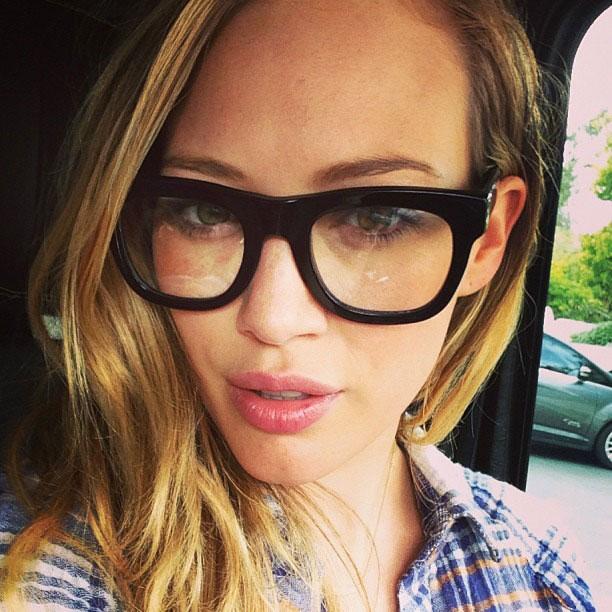 Set of Hot Girls in Glasses! (30 Pics)