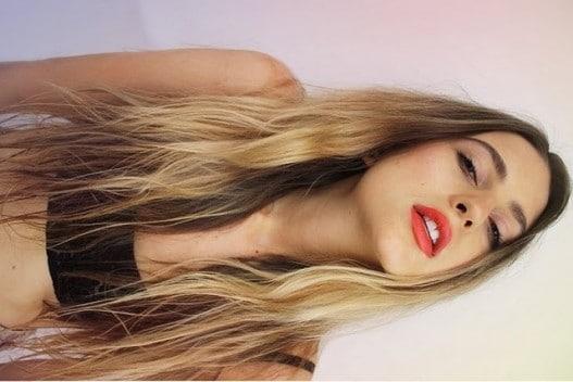 11 Beautiful and Breathetaking Models