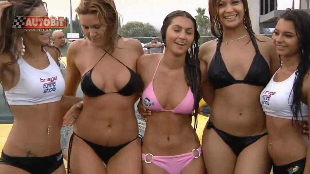 Twerking at the Car Wash! (Watch)