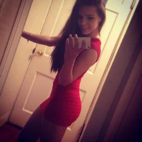 Girls in Tight Dresses Take 10 (25 Pics)