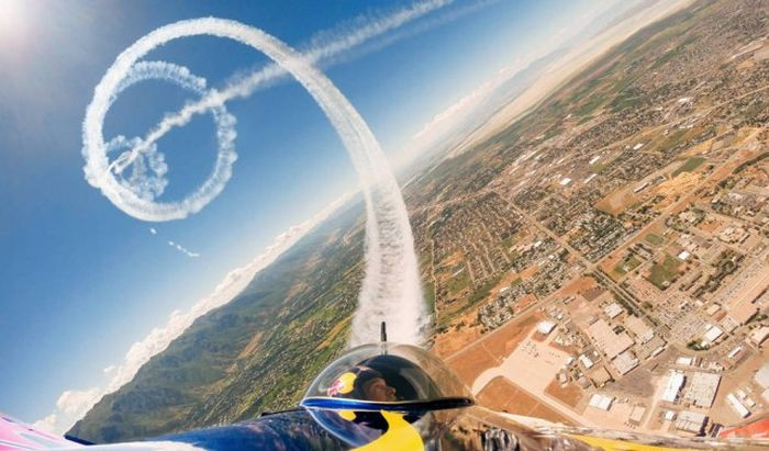 32 Extreme Photos From The Month Of October 2014 025