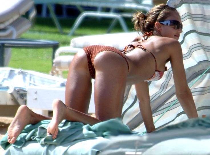 Jessica Alba's Ass in Bikini