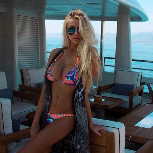 Sexy Blonde in Bikini