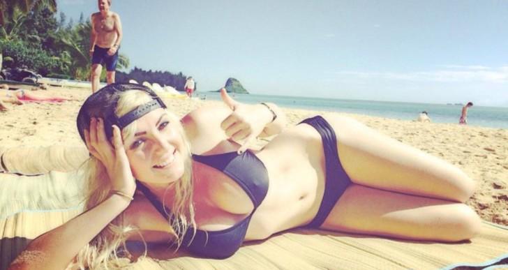 These Bikini Girls are Carefree in California (25 Pics)