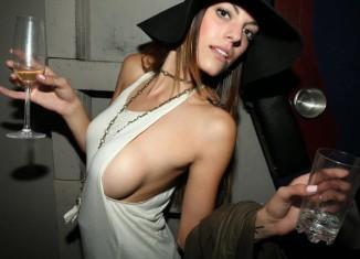 Sexy Sideboob Brunette