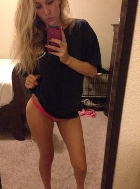 Sexy Mirror Selfie