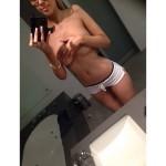 Hottest Hand Bra Pics of Instagram (25 Pics)