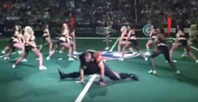 Arizona Rattlers Football Player Breaks It Down with the Cheerleaders (Video)