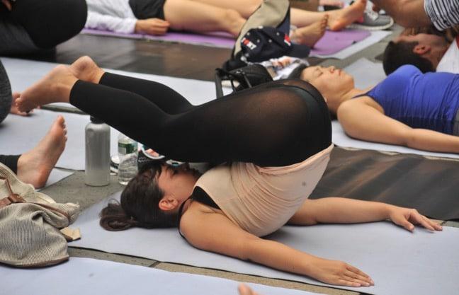 Girls in Yoga Pants Pics 21