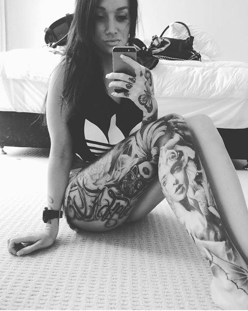 Girls wtih Hot Tattoos 12