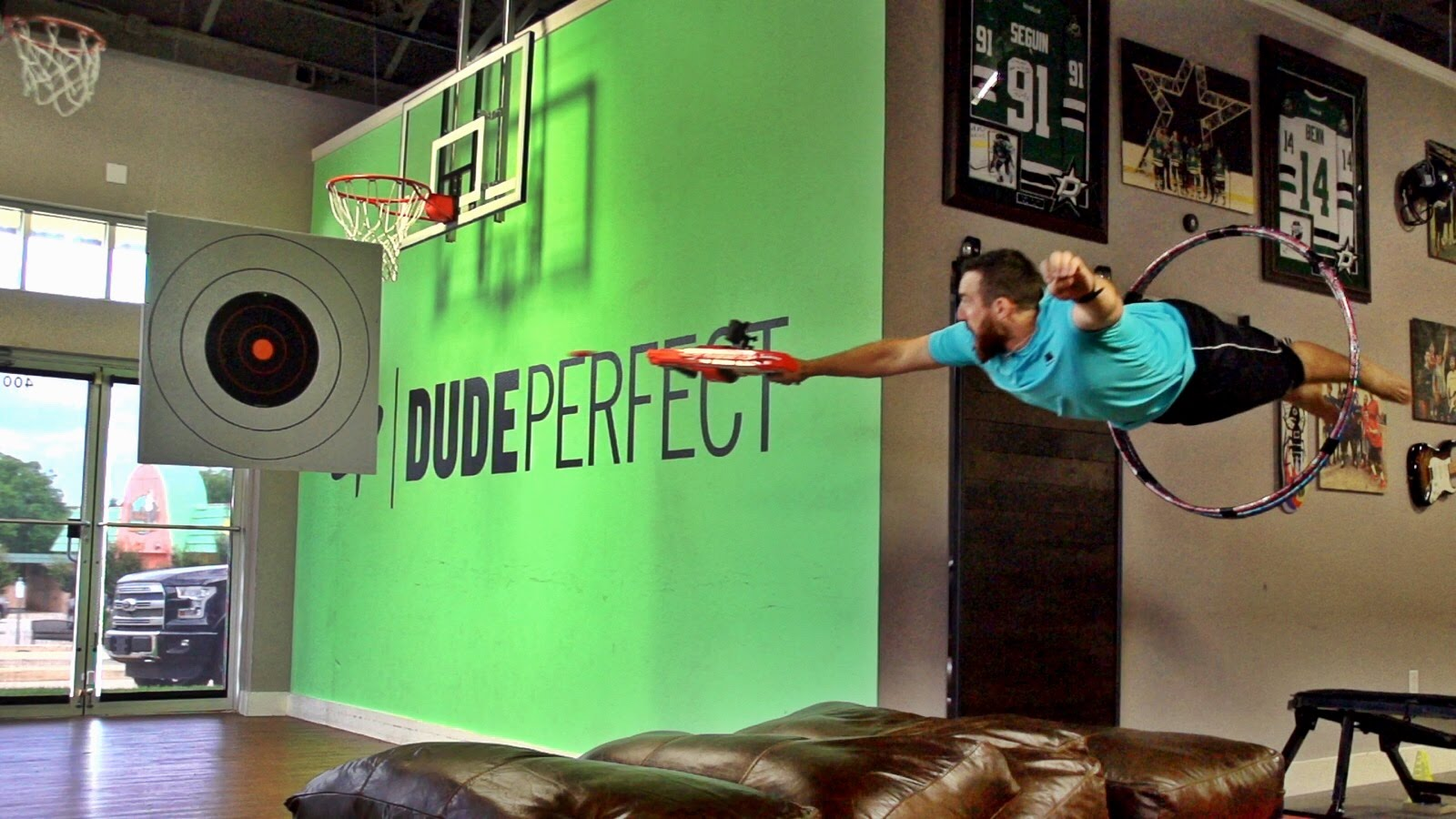 Nerf Blasters Battle with Dude Perfect (Video)