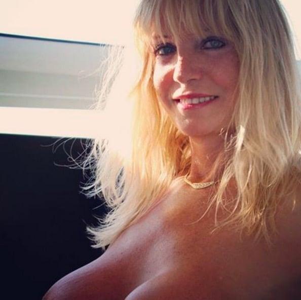 Sexy Older Women Pics 6