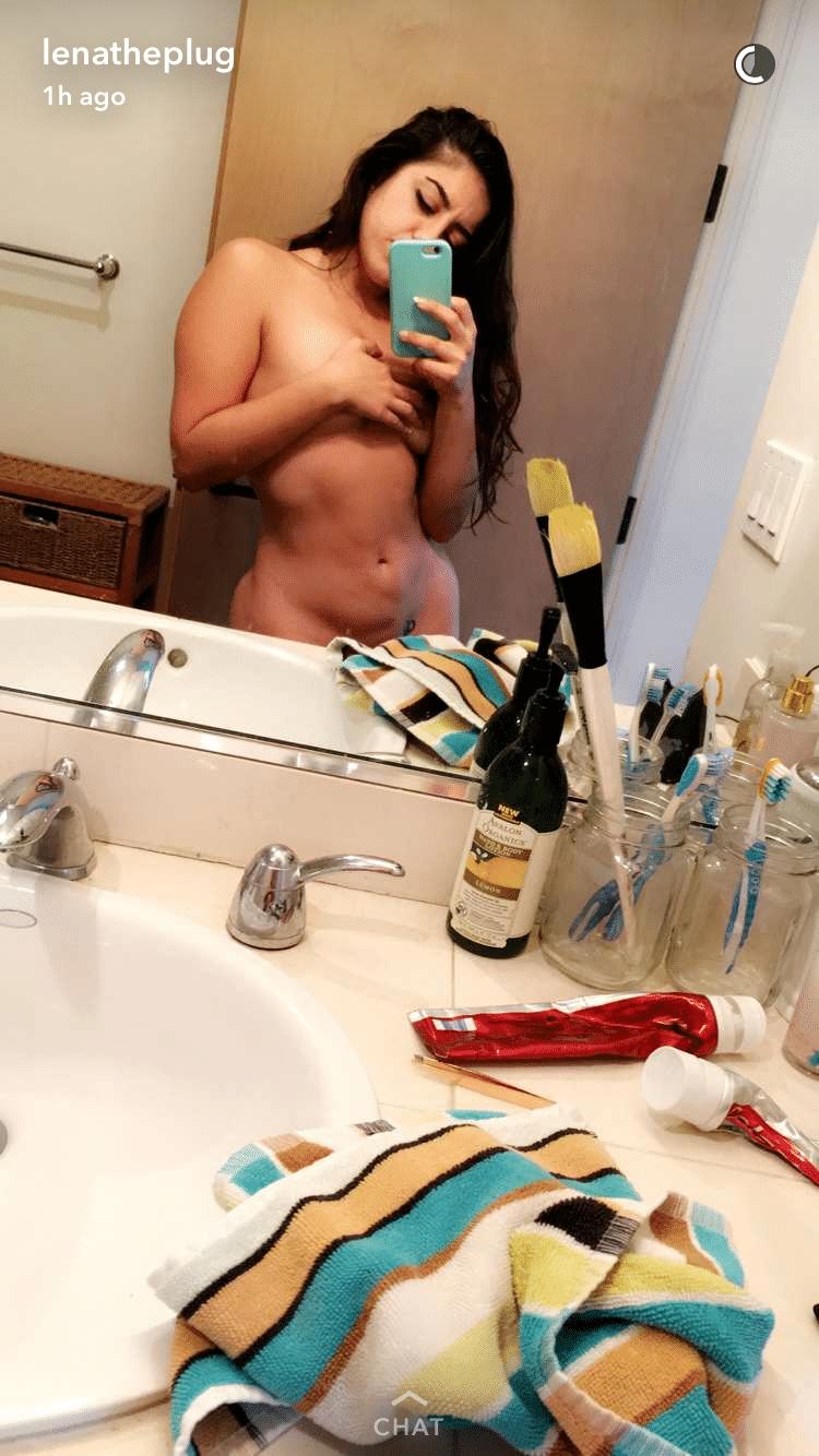 Topless Snapchat Pics of Lenatheplug