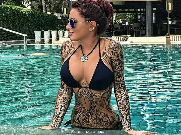 Sexy Tatted Girl in Bikini