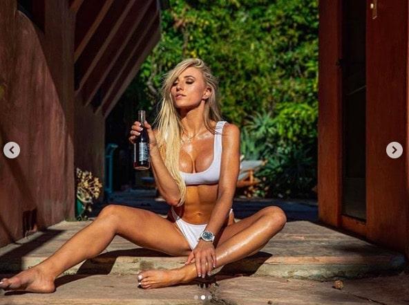 Hot Lauren Dascalo Photos