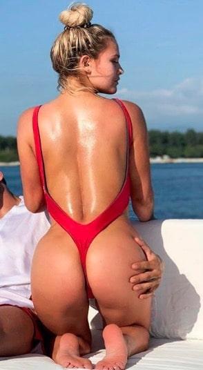 Kinsey Sue Butt Pics